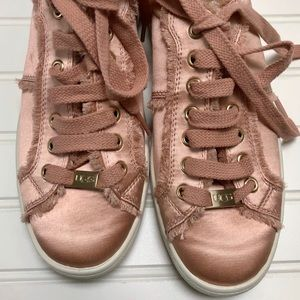 UGG Shoes - 🆕Brand New Ugg Sneakers - NWOT🆕